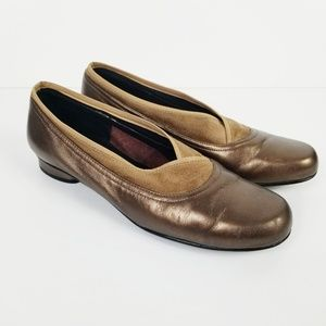 ROS HOMMERSON Gold Leather/Suede Trim Flats